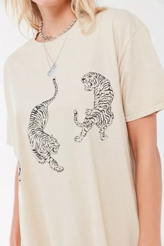 urban outfitters clothes Project Social T Tiger Overdyed T-Shirt Dress Urban Outfitters Outfit, Urban Outfitters Graphic Tees, Urban Dresses, Urban Outfits, Anuncio Nike, Oversized Tshirt Outfit, T-shirt Tigre, Tiger T-shirt, Bleach Tie Dye
