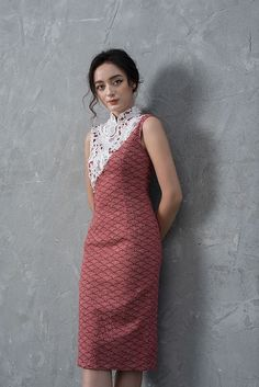 New cheongsam launches for the Chinese New Year Batik Fashion, Suit Fashion, Fashion Dresses, Stylish Dresses, Simple Dresses, Batik Dress, Lace Dress, One Piece Frock, Traditional Dresses Designs