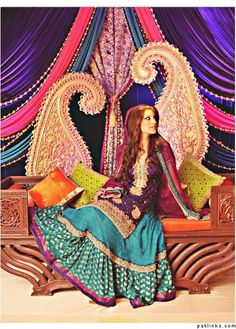 Purple and Teal Mehndi Dress (Lehenga) Mehndi Stage, Mehndi Night, Mehndi Outfit, Mehndi Dress, Pakistani Outfits, Indian Outfits, Bollywood Theme, Mehndi Party, Big Fat Indian Wedding