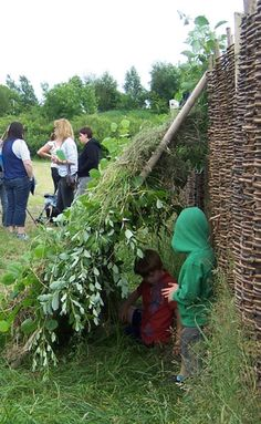 Den building at the National Museum of Rural Life Natural Play Spaces, Outdoor Play Spaces, Outdoor Areas, Communication Friendly Spaces, Outdoor Playground, Playground Ideas, Den Building, Wild In The Country, Australian Native Garden