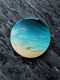Wood Resin, Acrylic Resin, How To Make Resin, Alcohol Ink Crafts, Peace Art, Resin Artwork, Seashell Crafts, Resin Crafts, Resin Jewelry