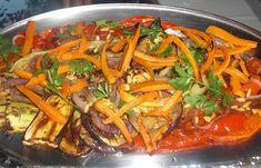 Νόστιμη και ελαφριά σαλάτα με ψητά λαχανικά Greek Dishes, Japchae, Apple Pie, Thai Red Curry, Food And Drink, Salad, Cooking, Ethnic Recipes, Rest