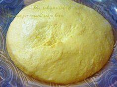 Impasto per cornetti o croissant senza burro alla ricotta morbidissimi, da fare con planetaria oppure a mano QUI la Ricetta: http://blog.giallozafferano.it/dolcipocodolci/impasto-per-cornetti-dolcipocodolci/