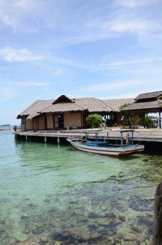 A float restaurant @Pulau Pelangi #travel #indonesia #pulaupelangi #kepulauanseribu