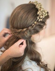 Two French Braid Hairstyles for Women. French braid hairstyles for short hair. Easy French braid hairstyles for curly hair. French Braid Hairstyles, Flower Girl Hairstyles, Down Hairstyles, Pretty Hairstyles, French Braids, Easy Hairstyles, Prom Hairstyles, School Hairstyles, French Fishtail