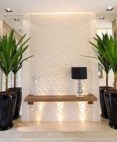 La imagen puede contener: planta, tabla e interior Hallway Decorating, Entryway Decor, Bedroom Decor, Wall Decor, Home Room Design, Interior Design Living Room, House Design, Design Hall, Wall Design