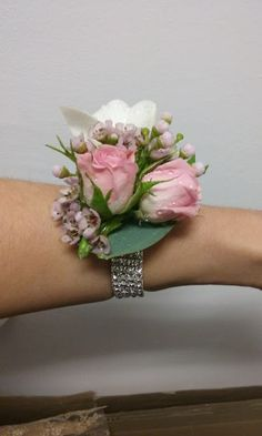Flowers of Soul: Corsaje Design Floral, Crown, Jewelry, Fashion, Moda, Corona, Jewlery, Bijoux, Fashion Styles