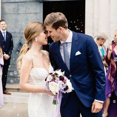Long live the magnificent couple and Philipp Zulechner ! Photographer: Tony Gigov H&M : Marion pail Wedding Kiss, Wedding Engagement, Wedding Blog, Wedding Styles, Wedding Day, Brides 2017, Elegant Couple, Sexy Wife, Traditional Wedding Dresses