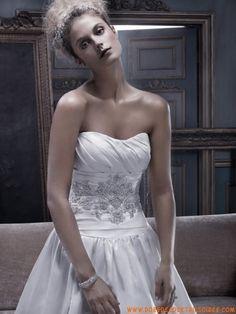 Robe avec traîne 2013 couture broderies plissé robe de mariée satin