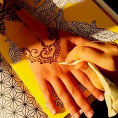 Pretty henna design by #girly_henna