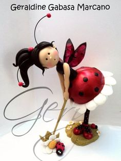 Cece Ladybug in cold porcelain by Geraldine Gabasa Marcano Cute Polymer Clay, Polymer Clay Dolls, Polymer Clay Flowers, Polymer Clay Projects, Polymer Clay Creations, Play Clay, Clay Figurine, Sculpture Clay, Sugar Art