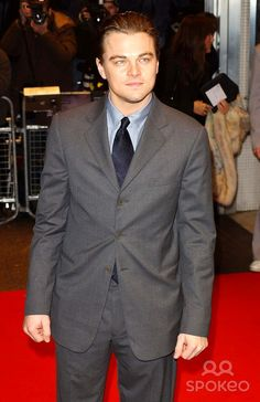 "Leonardo Dicaprio ""the Aviator""-uk Premiere -Odeon West End, Leicester Square, London. 12-19-2004 Photo By:henry Davenport-globelinkuk-Globe Photos, Inc 2004"