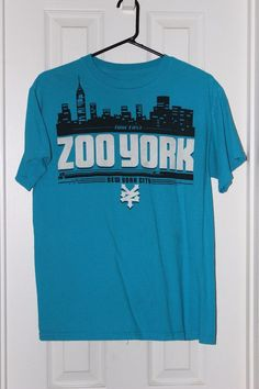 Zoo York Turquoise graphic t-shirt w/ city scape - men's M - cotton #ZooYork #GraphicTee