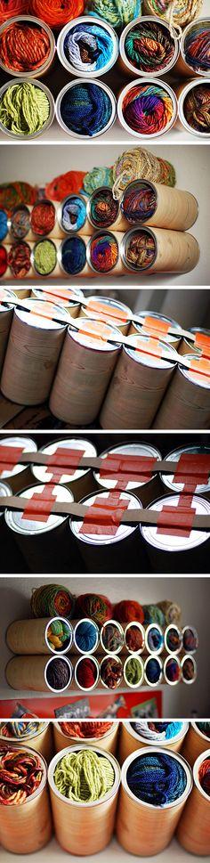Contenedor de pared reciclando latas / via Leethal Blog