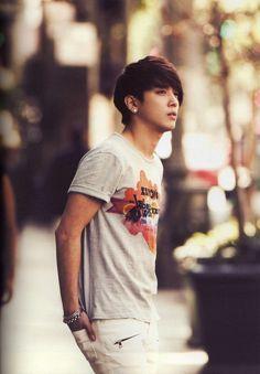 Nice photography! And Yonghwa looks nice too ♡