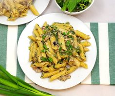 Calzone, Penne, Pizza, Ethnic Recipes, Food, Mascarpone, Essen, Meals, Yemek