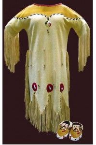 Native American wedding dress This looks more like the ghost shirt but this new form Of religion was first practiced among the Nevada Paiute in 1889 Native American Wedding, Native American Clothing, Native American Beauty, American Indian Art, Native American Tribes, Native American History, American Indians, Cherokee Clothing, Cherokee History