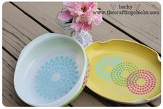 Stenciled Pyrex dishes from The Crafting Chicks. Using Martha Stewart Stencils to make fun dishes.