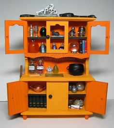 Miniature Halloween Witch's Hutch (Doll House 1:12 scale size) - MISCELLANEOUS TOPICS