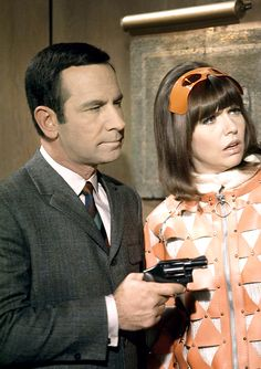 Don Adams and Barbara Feldon in Get Smart, season 3, Episode 21 'Operation Ridiculous', 1968. Via http://hollywoodlady.tumblr.com/