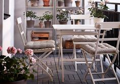 From alfresco dining areas and outdoor living rooms to peaceful green terraces, transform your elevated outside space with these beautiful balcony design ideas Tiny Balcony, Balcony Plants, Balcony Design, Balcony Garden, Patio Design, Balcony Ideas, Pot Plants, Pergola Ideas, Balcony Furniture