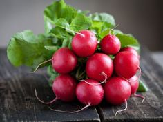 Before radishes have emerged as a snacking option, they were once prized in Greece, which was why there were gold statues that were designed in their image. Stop Acid Reflux, Growing Veggies, Gardening, Good Housekeeping, Summer Garden, Vegan Foods, Plant Care, Healthy Smoothies, No Cook Meals