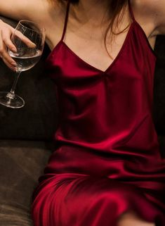 A simply perfect stretch silk slip dress in burgundy color will help you to look and feel amazing. This luxurious silk dress was made to look elegant on you and to feel wonderful against your Red Silk Dress, Maroon Dress, Dress Outfits, Prom Dresses, Slip Dresses, Flapper Dresses, Valentines Day Dresses, Fallout New Vegas, Silk Slip