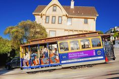 Cable Car Hyde Street photographed by Mitchell Funk - ONE EYELAND