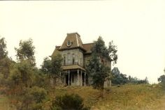 Could you sleep soundly in this house - featured in the movie 'Psycho'