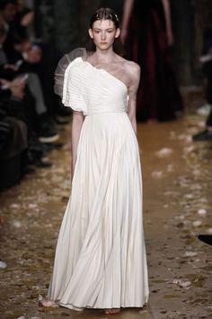 Finaliza la semana de la Alta Costura de París con las creaciones más exclusivas de los mejores diseñadores dentro de la industria de la moda.