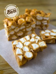 No-Bake Peanut Butter Marshmallow Squares. *substitute chocolate for the peanut butter Köstliche Desserts, Dessert Recipes, Dessert Healthy, Candy Recipes, No Bake Bars, Peanut Butter Recipes, How Sweet Eats, Cookies Et Biscuits, Dessert Bars