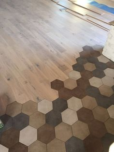 36 Marble Tiles Meeting the Wooden Floor - Wood Parquet