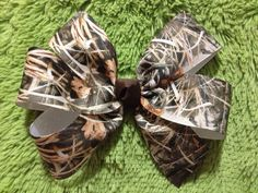 Large Camo Hair Bow by bowsforthebelle on Etsy, $3.00