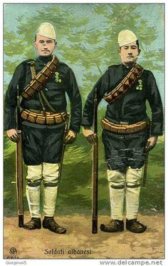 Ushtarë shqiptarë. Soldats albanais. Albanian soldiers.  Militars albanesos. Militares albaneses. by Only Tradition, via Flickr