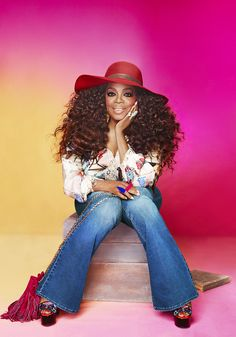 Oprah channels the 60's, 70's and 80's for October issue ..