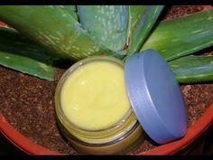 Hoy hacemos una crema antiarrugas para pieles maduras. Es una crema natural, hecha en casa, con ingredientes tan buenos que la podrías comer sin problemas.