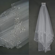 Bride Wedding Dress Veil Two-tier Fingertip Veils Beaded Hand-beaded Edge