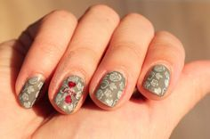 Polished Polyglot: Nail Look for Valentine's day: Be my Vintage Valentine