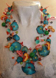 Laure Bonnet/Léa aime les fleurs - collier turquoise