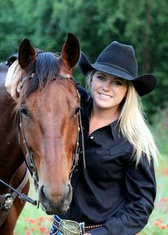 Sexy Cowgirl, Cowgirl And Horse, Cowgirl Hats, Cowgirl Outfits, Cowgirl Style, Cowgirl Clothing, Gypsy Cowgirl, Cowgirl Fashion, Real Country Girls