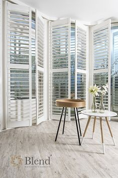 Blend Window Fashion Window Styles, Shutters, Ramen, Small Spaces, Dining Chairs, Divider, Louvre, Windows, Modern