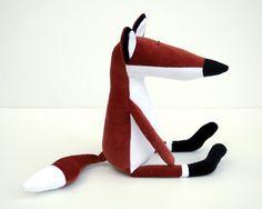 """Handgemachte , gefüllte Plüsch Fuchs Spielzeug mit rostigen rötlichen Körper. Hergestellt von rostigen, schwarz und weiß Plüsch. 15 Zoll (40 cm) hoch (11 """"gesetzt) Es ist mein eigenes Design. Aus..."""