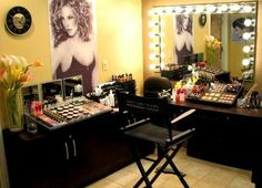 Please oh please! Future makeup room