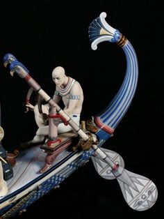 Lladro detail of 01001918 QUEEN OF THE NILE http://lladro.stores.yahoo.net/0quofnil.html