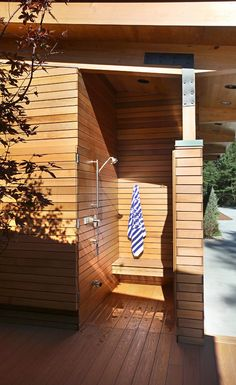 extra outdoor shower space
