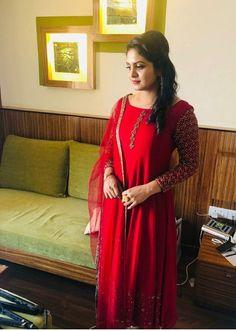 Salwar Designs, Kurti Designs Party Wear, Blouse Designs, Designer Party Wear Dresses, Indian Designer Outfits, Diwali Designs, Churidhar Designs, Kurti Styles