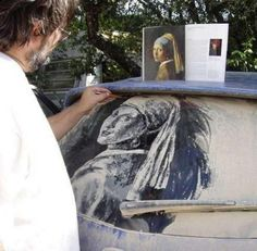 Unusual Dirty Car Art by Scott Wade - Showing the artist in action. Famous Artwork, Cool Artwork, Amazing Artwork, Awesome Art, Car Art, Street Art, Johannes Vermeer, Car Drawings, Pencil Drawings