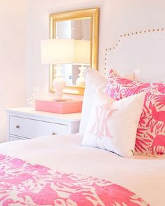 Did you see the big reveal?! My full room is live on LonestarSouthern.com! I'm also spilling the juice on something super exciting that happened today I've linked the exact headboard and similar items of everything else in this pic with the @liketoknow.it app. Download it so you can shop all of my Instagrams quickly and easily! http://liketk.it/2uarT #liketkit