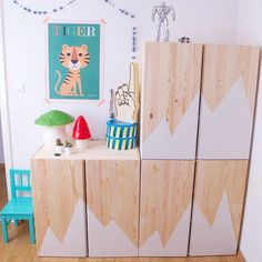 Customize an IKEA furniture for the child's room - Ikea DIY - The best IKEA hacks all in one place Ikea Hacks, Ikea Hack Kids, Ivar Ikea Hack, Ikea Deco, Minimalist Kids, Kids Room Design, Ikea Furniture, Furniture Ideas, Creative Decor