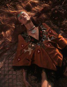 Vogue Paris, Emmanuelle Alt, Tribal Fashion, Boho Fashion, Fashion Vintage, Fashion Dresses, Hippie Style, Bohemian Style, Estilo Tribal